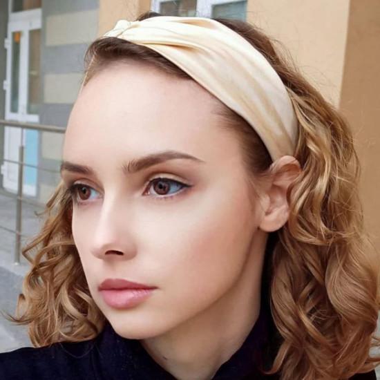 Шелковая повязка для волос в бежево-золотом цвете